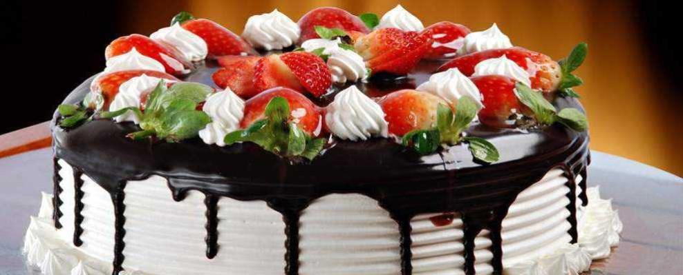 tort vanilie frisca fructe de padure teodora